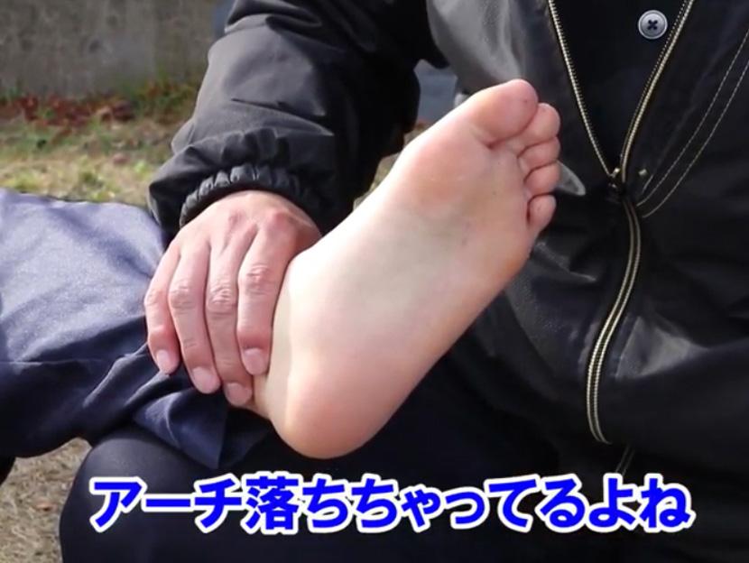 陸上選手の痛みに届け!コアフォースクリームで足裏アーチ改善